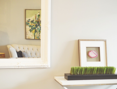 4 Ways You Can Beautifully Decorate Your Small Living Space